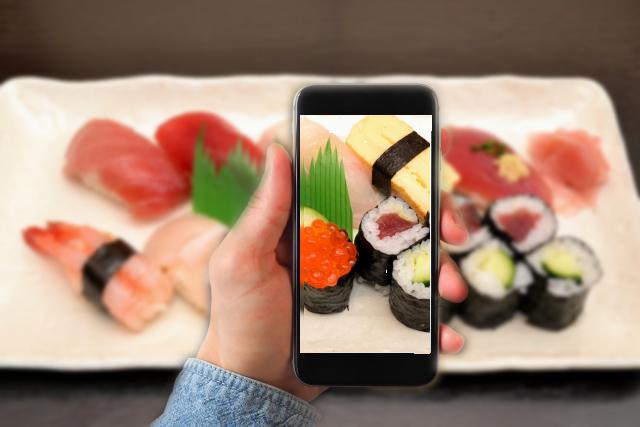 フォロワーが多ければ無料で寿司を食べられるレストラン